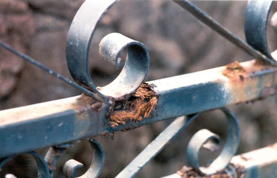 защита металлоизделий от коррозии