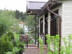 кованые перила на даче